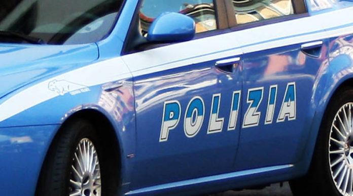 Violenza sessuale centro massaggi como polizia
