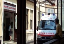 due medici e una guardia aggrediti all'umberto I