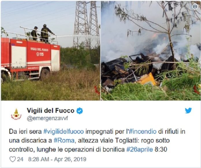 incendio in una discarica abusiva in periferia