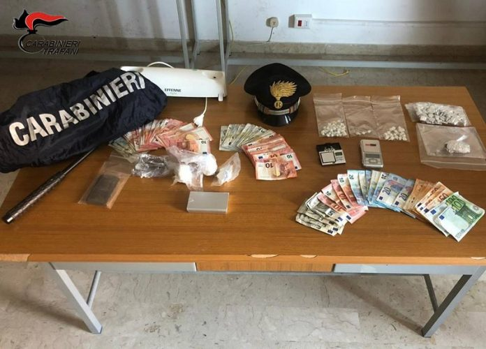 otto arresti per detenzione di sostanze stupefacenti