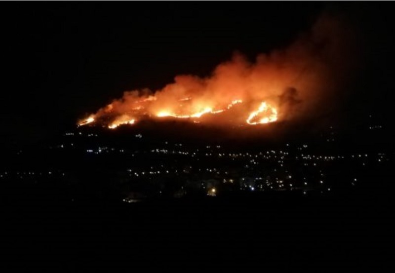 monreale in fiamme