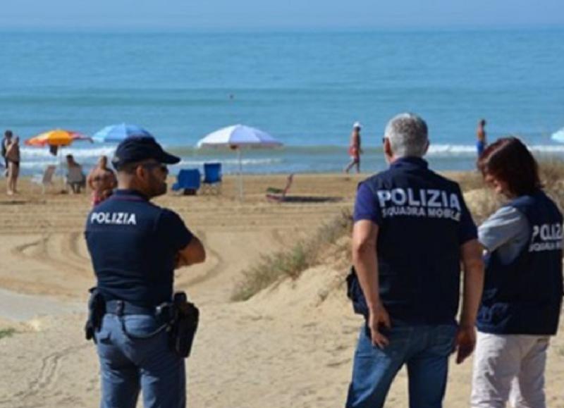 nudo in spiaggia multato